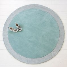 Stuck for nursery rugs? Little-P rugs are the ultimate solution: NZ wool (hypoallergenic, easy clean), deep pile with a spangly silver moon edge - perfect for little hands and knees 😍 In stock now!