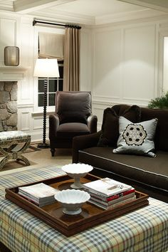 """From ML Interior Design, ceiling and walls for family room. Beautiful brown and """"burberry"""" like plaid ottoman. Beautiful Interior Design, Beautiful Interiors, Home Interior Design, Interior Architecture, Interior Decorating, Damask Wallpaper Living Room, Dining Room Windows, Family Room Walls, Masculine Interior"""