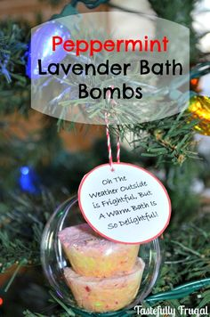 12 Frugal Days of Christmas Day Peppermint Lavender Bath Bombs Christmas Carol, Christmas Diy, Christmas Bath Bombs, Best Bath Bombs, Homemade Beauty Products, Natural Products, Bath Bomb Molds, Plastic Easter Eggs, Bath Bomb Recipes
