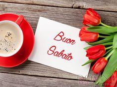 6 buon sabato immagine con frase aforisma tazza caffè tulipani fiori rossi