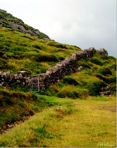 Ancient wall along the Ring of Kerry - Ireland