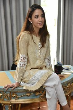 New stitching styles Relationship Goals relationship symbols Pakistani Fashion Casual, Pakistani Dresses Casual, Pakistani Dress Design, Kurti Pakistani, Salwar Kurta, Sleeves Designs For Dresses, Dress Neck Designs, Blouse Designs, Stylish Dresses