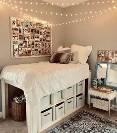 dream rooms for adults ; dream rooms for women ; dream rooms for couples ; dream rooms for adults bedrooms ; dream rooms for girls teenagers Cool Dorm Rooms, College Dorm Rooms, College Dorm Bedding, College Room Decor, Cool Teen Rooms, Girl College Dorms, Nice Rooms, Apartment Ideas College, Cool Rooms For Teenagers