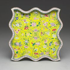 Square plate with floral décor  Copper, painted enamel Qing dynasty, Kangxi reign, 1662-1722 National Palace Museum