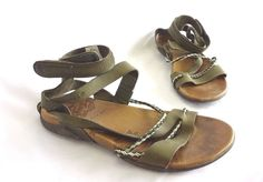 MERRELL Army Olive Green Strappy Flat Sandals Womens' Size 8 GUC #Merrell #Strappy