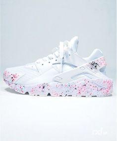 Chaussure Femme Nike Air Huarache Rxl Custom Blanche Rose Noir  Abbigliamento Sportivo 180bf895ce8a
