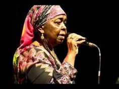 CESARIA EVORA - Historia De Un Amor (heard it  at a concert once, fell in love with it for ever!)