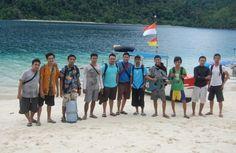 Pulau Pasumpahan merupakan salah satu jajaran pulau kecil yang terletak di kawasan pulau Sumatera, tepatnya sebelah barat Provinsi Sumatera Barat. Tempat ini sering di jadikan sebagai tempat kemping dan area snorkling yang sangat di cari oleh orang – orang pecinta keindahan bawah laut. Selain tempatnya yang begitu indah masyarakat daerah sana begitu sangat baik dan …