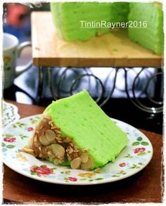 Pandan Chiffon Putih Telur Selembut Kapas No bau telur foto resep utama Pandan Chiffon Cake, Pandan Cake, Indonesian Desserts, Asian Desserts, Indonesian Recipes, Indonesian Food, Snack Recipes, Dessert Recipes, Cooking Recipes