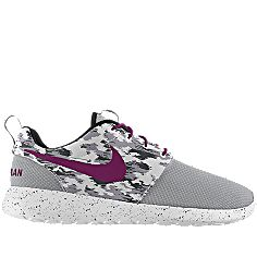 NIKEiD is custom making this Nike Roshe Run iD Women's Shoe for me. Can't wait to wear them! #MYNIKEiDS