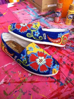 Hand painted toms. Check out more designs and how to order on my facebook page: http://www.facebook.com/pages/Emily-Johnson-ej-designs/112898375488144?sk=wall=1#!/pages/Emily-Johnson-ej-designs/112898375488144