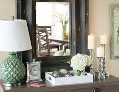love this look of an entry table