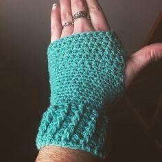 Fingerless Gloves - Free Pattern - Rural Rebellion