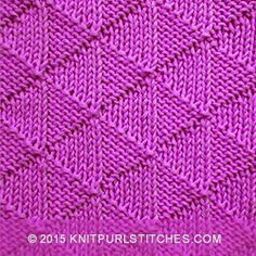 A reversible pattern using circular needles. Looks identical on both sides | Knitpurlstitches.com