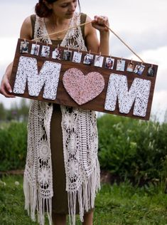 This DIY string art gift for Mother's Day from Lily Ardor is another lovely way to show off your memories! Easily personalize this string art sign with your favorite photos for a unique photo display that Mom will… – Pins Homemade Mothers Day Gifts, Diy Gifts For Mom, Unique Mothers Day Gifts, Mothers Day Crafts, Mothers Day Diy Gifts, Mothers Day Ideas, Mothers Day Decor, Diy Gifts With Photos, Mothersday Gift Ideas