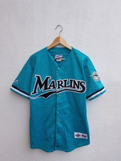 e2fc5660809 Vintage 90s Miami Marlins MLB Baseball Embroidered Logo Majestic Diamond  Collection Nets Jersey Shirt Size M