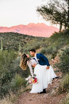 With plenty of color and light, this evening oasis elopement highlights a bright and colorful setting in the desert. #southwestwed #southwestwedding #southwestweddings #arizonawedding #phoenix #arizonadesert #desertwedding #desertelopement #goldenhour #goldenhourshoot #weddingmagic #phoenixarizona #adventurephotography #adventurewedding #brightwedding #colorfulwedding #desertoasis