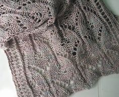 Ravelry: gothik scarf pattern by Lori Law