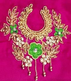 Bridal Blouse Designs, Blouse Neck Designs, Lehanga For Kids, Hand Embroidery, Embroidery Designs, Maggam Works, Motif Design, Tambour, Work Blouse