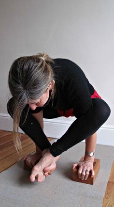 Dwi hasta bhujasana (Arm balance) is great for strengthening the muscles in the arms and increasing the flexibility of the shoulders and the lower back  Svava Sparey Yoga Holidays #iyengar #yoga