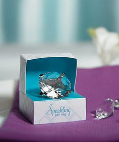 Novelty Wedding Diamond Key Chain in Gift Favor Box - This Novelty Diamond Key Chain is a contemporary cut diamond setting. This key ring features one large key ring and 5 smaller key rings to help keep your keys organized. Diamond Wedding Theme, Diamond Theme, Diamond Party, Diamond Wedding Rings, Anniversary Favors, Diamond Anniversary, 25th Anniversary, Best Diamond, Diamond Cuts