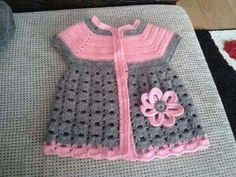 Crochet Bebe, Crochet For Kids, Knit Crochet, Baby Knitting Patterns, Baby Patterns, Crochet Baby Sweaters, Crochet Baby Clothes, Crochet Slippers, Baby Outfits