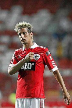 """My club is Benfica, not Jorge Jesus"""" @Fabio_Coentrao"""