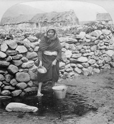 Canvas Print (other products available) - A female fisherman from Kerry, Ireland, standing before a drystone wall with buildings beyond, Century. (Photo by Fotosearch/Getty Images). - Image supplied by Fine Art Storehouse - Canvas Print made in Australia Old Pictures, Old Photos, Antique Photos, Vintage Pictures, Irish Famine, Old Irish, Irish Art, Images Of Ireland, Irish Culture
