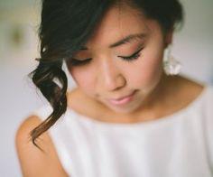 Brudstyling | Makeup & hår: Sofia Boman www.brudmakeup.se | Foto: Beatrice Bolmgren #bröllop #wedding #bride #bridalmakeup #bridalhair #bröllopsstyling #bröllopsmakeup #hairstyling #hairupdo #braids #fläta #håruppsättning