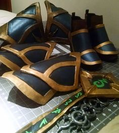 Attempting to finish something that I started a long time ago!  #demonhuntercosplay #demonhunter #legion #wowlegion #paxcosplay #paxwest #paxprime #blizzardcosplay #blizzardentertainment #worldofwarcraft #wowcosplay #worldofwarcraftcosplay #legioncosplay #worblasfinestart #worblasblackart #worbla #blackworbla