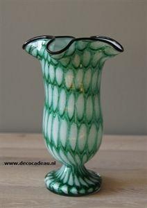Sold * Czechoslovakia * Franz Welz vase Honeycomb green aventurine with white mottled glass, circa 1920. For sale. * Czechoslovakia * Franz Welz vaas Honeycomp groen met wit aventurijn gevlekt glas, omstreeks 1920. Te koop