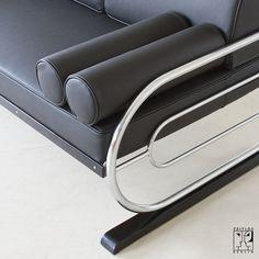 tubular steel couch/daybed in aeronautic streamline design by, Hause deko