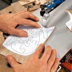 Conseils pratiques bricolage sur Découper avec une scie à chantourner (Menuiseries intérieures)