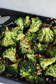 Rostad Broccoli m Jordnötter Clean Recipes, Raw Food Recipes, Veggie Recipes, Wine Recipes, Vegetarian Recipes, Cooking Recipes, Healthy Recipes, Broccoli, Clean Eating