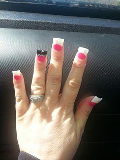 Wide duckfeet nails flared nail Flare Acrylic Nails, Flare Nails, Pedicures, Manicure And Pedicure, Jersey Nails, Duck Nails, Curved Nails, Crazy Nails, New Nail Art