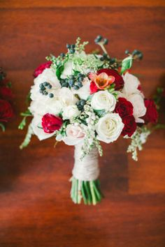 Bouquet of David Austin Roses, Garden roses & black berries / Fady & Samantha: Dark Romance