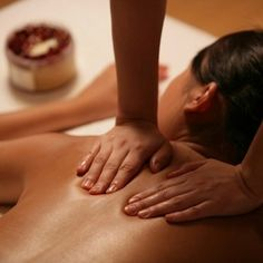 Do you plan to hire some of the deep tissue massage therapists in Mesa? Hire this medical massage therapist. This professional has professional massage therapy service experience. Massage Spa, Good Massage, Massage Therapy, Body Therapy, Face Massage, Medical Massage, Massage Classes, Stone Massage, Massage Meme