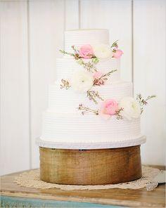 pink and white wedding cake @weddingchicks