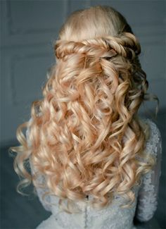 simple half down half up hairstyle for wedding