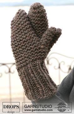 Eskimo mittens. Size 11 needles. Free pattern.