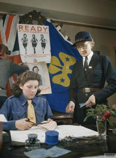 Image from the Imperial War Museum. Girl Guides, Child Life, Free Website, World War Two, Girl Scouts, Great Britain, Old Photos, To My Daughter, Two By Two