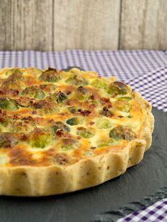 Quiche au chou de Bruxelles - Tartes/Tartelettes/Quiches/Pies/Galette/Wähen/Crostata etc. Vegan Breakfast Recipes, Healthy Dessert Recipes, Veggie Recipes, Baby Food Recipes, Vegetarian Recipes, Quiches, Veg Pizza, Savoury Baking, Tart Recipes