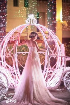 Everything from the bridal look to the setting, this magical bridal portrait is right out of a fairytale!