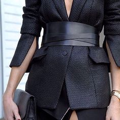 Corset Belt Street Outfits To Show You What's The Next Big Trend blazer in wide leather corset belts Work Fashion, Fashion Details, High Fashion, Womens Fashion, Fashion Design, Fashion Trends, Paris Fashion, Fashion Belts, Fashion Outfits