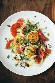 Spend ten extra minutes on this delicious Seared Scallops, Shaved Fennel and Grapefruit Salad #Recipe