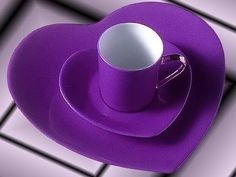Purple dinnerware... would look good with a beautiful green salad on it....