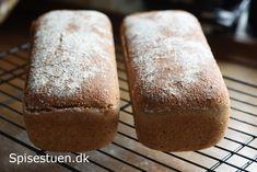 Jeg har udviklet en opskrift pådetskønneste fuldkornsbrød med ølandshvede :-) Super saftigt og lækkert brød! Skønt til morgenmad, med pålæg i madpakken eller til frokost. Det er også etrigtig go…