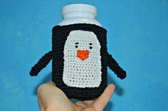 pinguino cappottino per biberon -calza per biberon per bebè - contenitori morbidi - regalo nascita by CrochetRomance #italiasmartteam #etsy