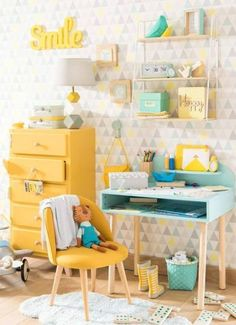 Mint and yellow room decor is so pretty! Photo by Cool Kids Bedrooms, Girls Bedroom, Childrens Bedrooms Girls, Childrens Desk, Baby Bedroom, Kids Bedroom Furniture, Bedroom Decor, Yellow Kids Furniture, Yellow Kids Rooms