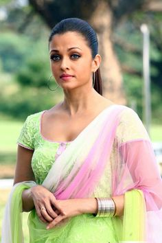 Aishwarya Rai Unseen Robot Pictures # Stunning Bollywood Actress Aishwarya Rai Exclusive Unseen Pictures Gallery From Movie Robot Download Now...